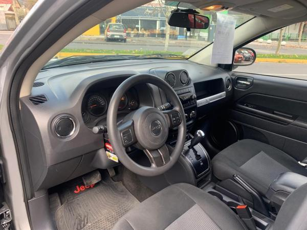 Jeep Compass SPORT 2.4 año 2017