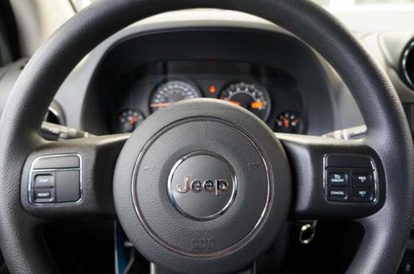 Jeep Compass SPORT 4X4 2.4 año 2017