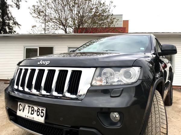 Jeep Grand Cherokee 5.7 LIMITED 4X4 AT año 2011