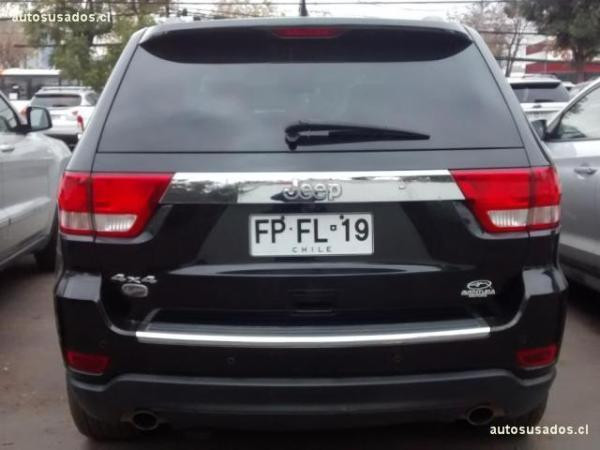 Jeep Grand Cherokee OVERLAND 5.7 AT año 2013