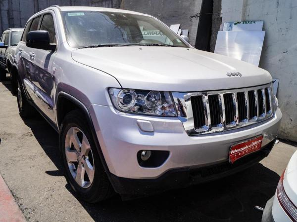 Jeep Grand Cherokee LAREDO SPORT año 2013