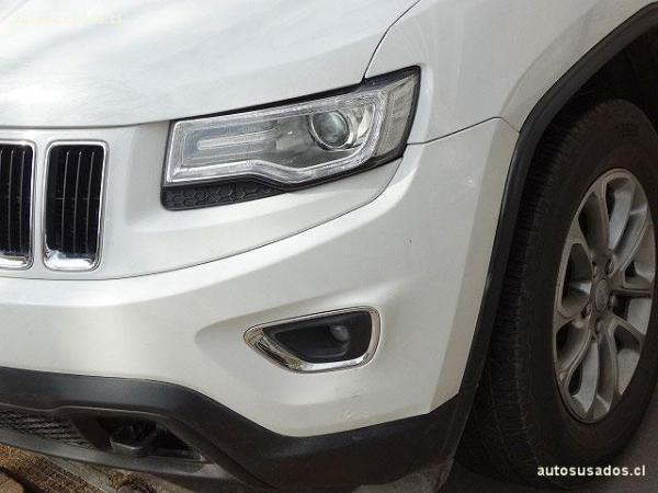 Jeep Grand Cherokee LAREDO año 2014