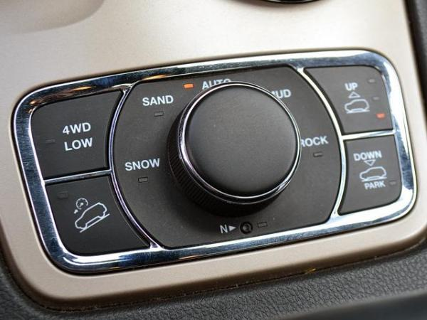 Jeep Grand Cherokee OVERLAND año 2014