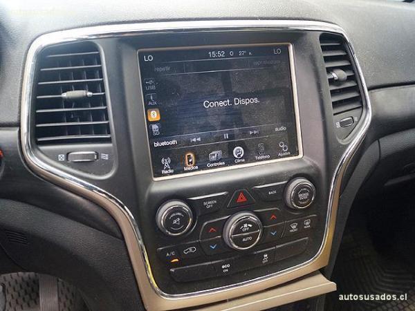 Jeep Grand Cherokee LAREDO 3.6 4X2 año 2014