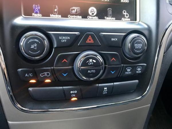 Jeep Grand Cherokee LAREDO 4x2 año 2015
