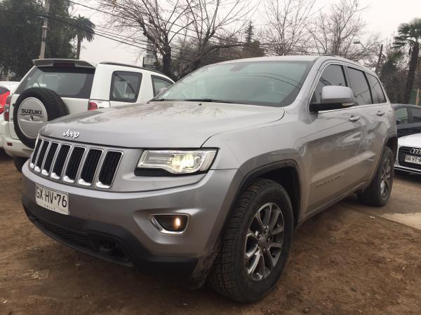 Jeep Grand Cherokee LAREDO 4X4 año 2015