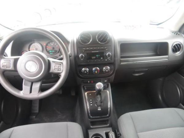 Jeep Patriot 2.4 único dueño año 2012