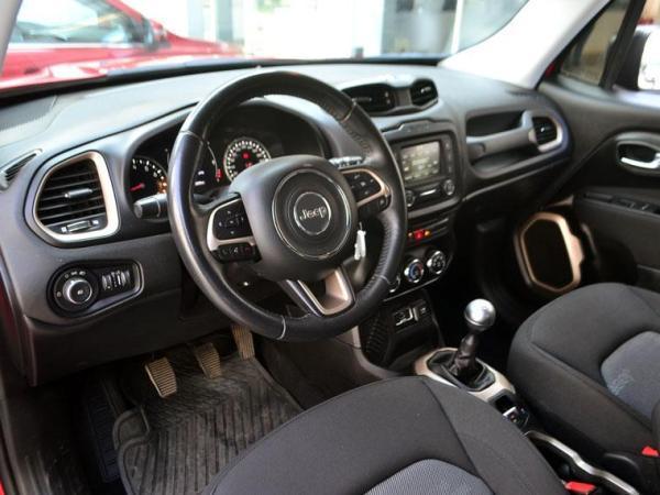 Jeep Renegade SPORT LX 1.8 año 2017