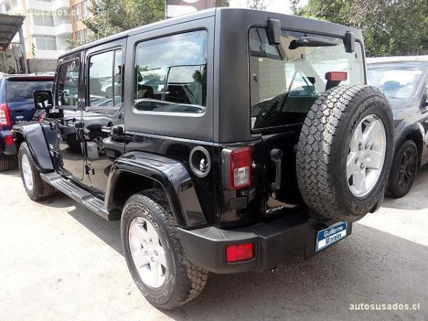 Jeep Wrangler UNLIMITED SAHARA año 2013