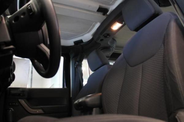 Jeep Wrangler Wrangler Sport 3.6 año 2013