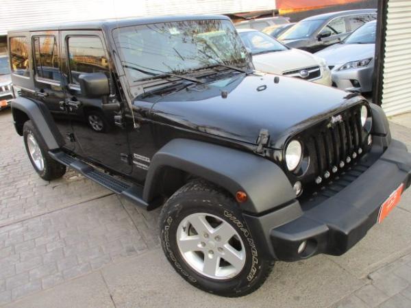 Jeep Wrangler UNLIMITED SPORT EL año 2015