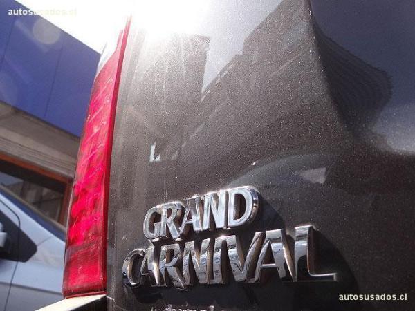 Kia Carnival GRAND CARNIVAL EX 2.2 año 2012