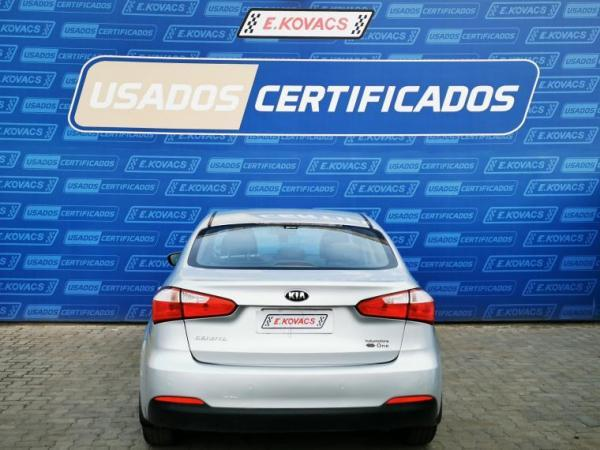 Kia Cerato EX 1.6MEC 1.6 4X2 EX AC año 2016