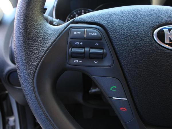 Kia Cerato EX 1.6 A/C MT año 2018