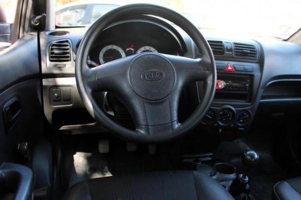 Kia Morning LX 1.1 año 2011