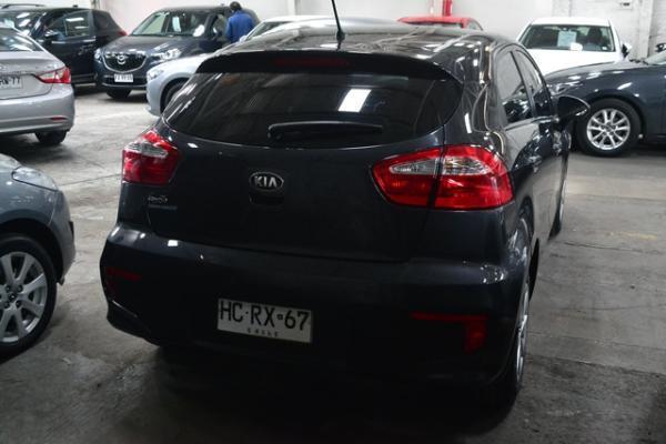 Kia Rio EX 1.4 año 2015