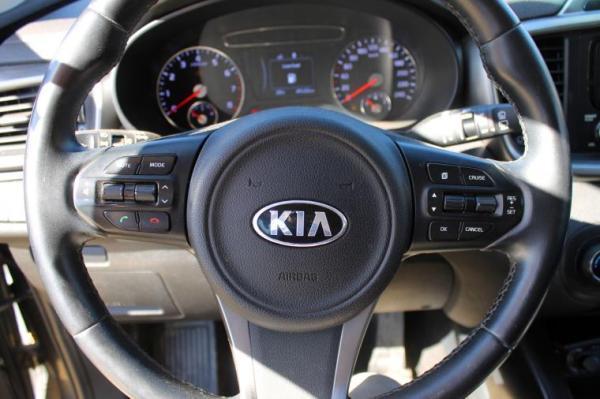 Kia Sorento EX 2.4L GLS año 2016