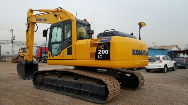 Komatsu PC200-8 Excavadora año 2013