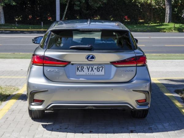 Lexus CT200h HIBRIDO año 2018