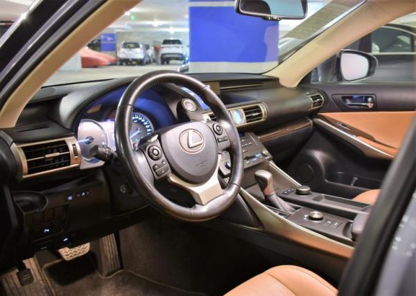 Lexus IS350 3.5 año 2017