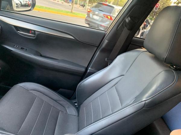 Lexus NX200T SPORT 2.0 4X4 A año 2017