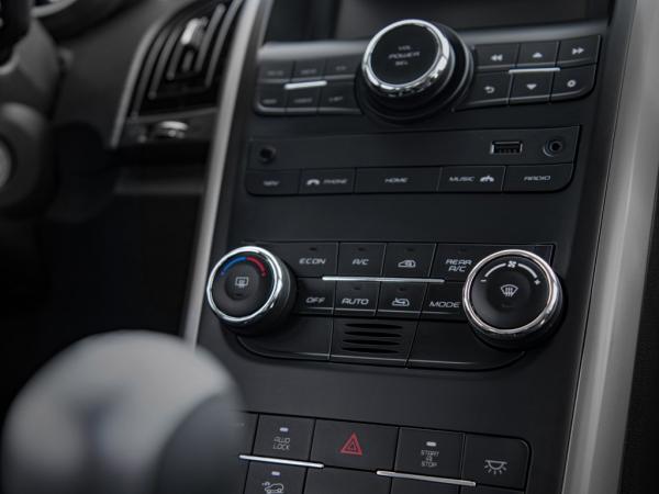 Mahindra XUV500 FL 2.2 CRDE MT AWD año 2019