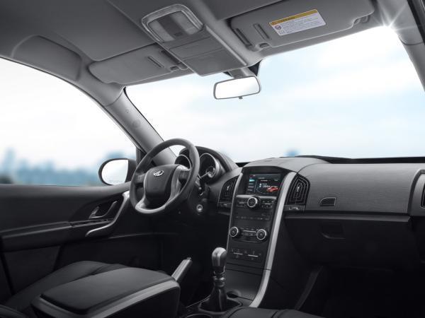 Mahindra XUV500 FL 2.2 CRDE MT FWD año 2020