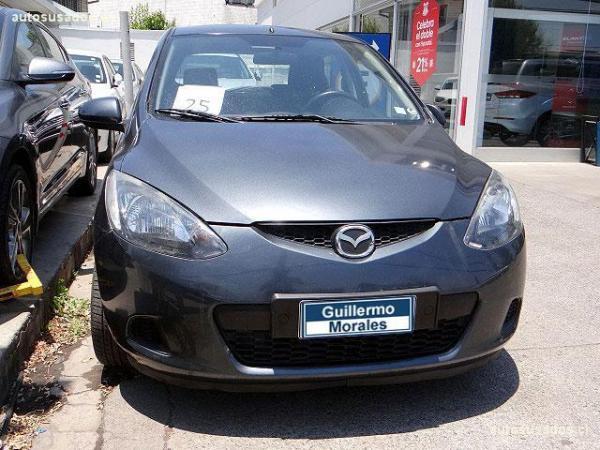 Mazda 2  año 2009