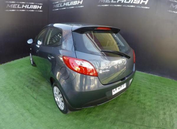 Mazda 2 ACONDICIONADO año 2011