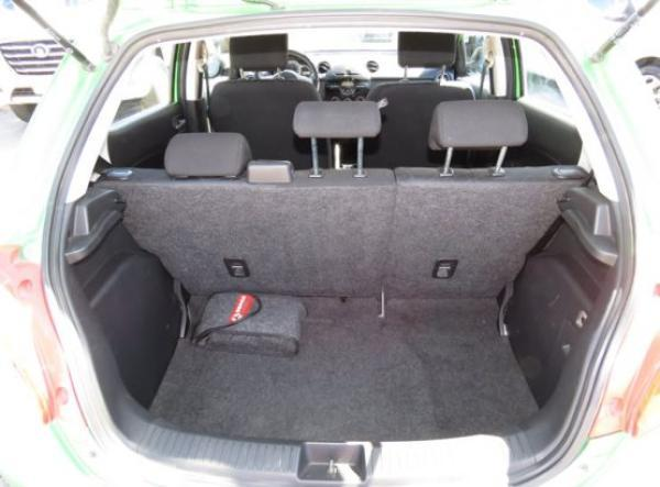 Mazda 2 V año 2011