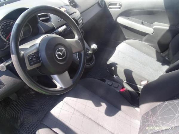 Mazda 2 SPORT 1.5 año 2011