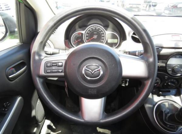 Mazda 2 V año 2012