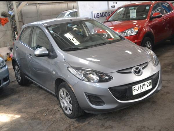 Mazda 2 - año 2013