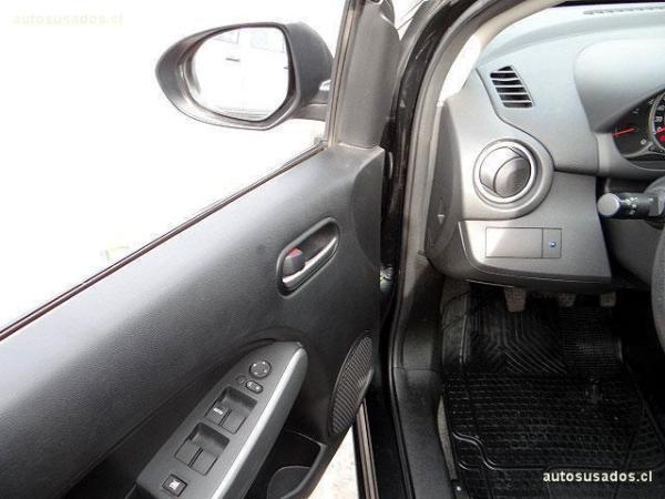 Mazda 2 V 1.5 SPORT año 2014