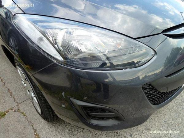 Mazda 2  año 2014