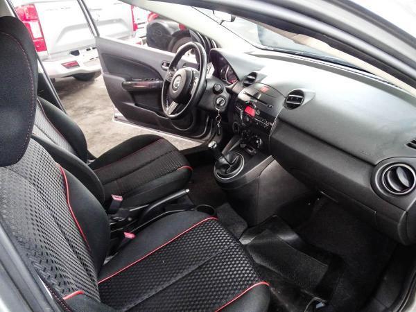 Mazda 2 SPORT 1.5 MT año 2015