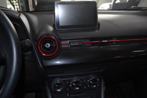 Mazda 2 SEDAN 1.5 AT año 2016