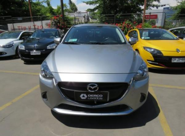 Mazda 2 LS año 2016