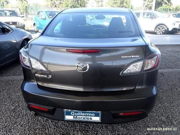Mazda 3  año 2010