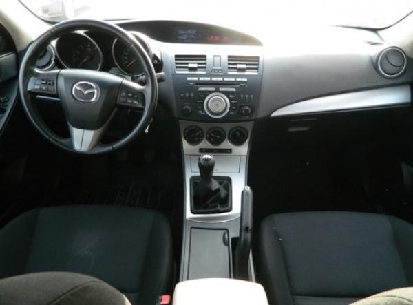 Mazda 3 V año 2010