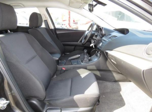 Mazda 3 SPORT año 2011