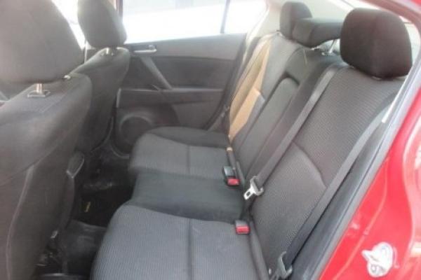 Mazda 3 V 1.6 año 2013