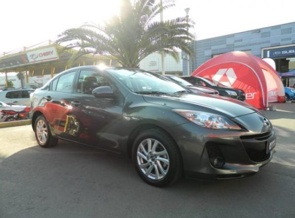 Mazda 3 V año 2013