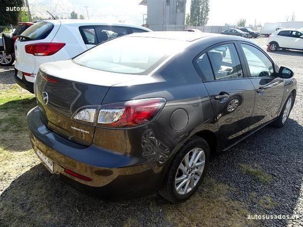Mazda 3  año 2013