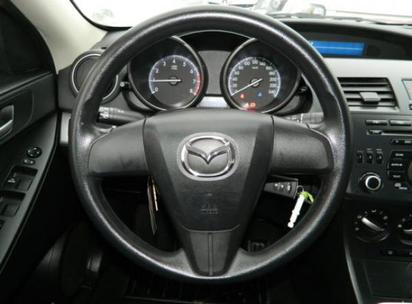 Mazda 3 S año 2014