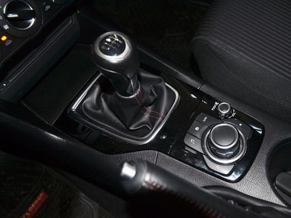 Mazda 3 MT 2.0 año 2014