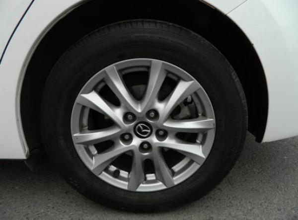 Mazda 3 V año 2015
