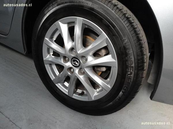Mazda 3 MT SEDAN año 2015