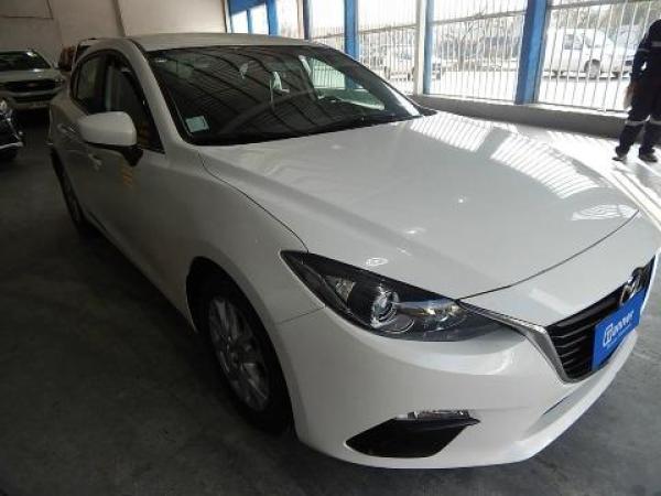 Mazda 3  año 2016