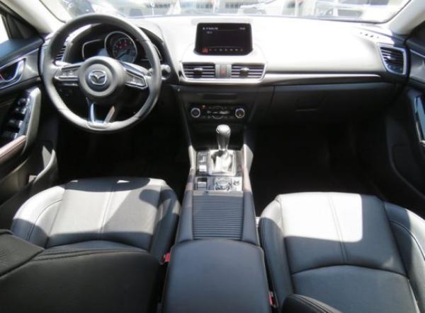 Mazda 3 GT año 2017
